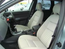 ボルボ S90  2.4 ユーザー買取入庫車輌 シルバー 3枚目