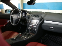 メルセデス・ベンツ SLKクラス  SLK350 D車/左H 純正マルチ赤革 内部