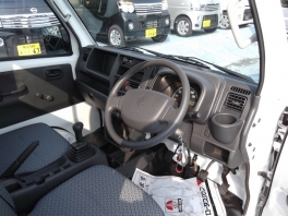 スズキ キャリイ トラック  KC エアコン パワステ 5速マニュアル 未使用車  3枚目