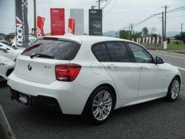 BMW 1シリーズ  116i Mスポーツ  ホワイト 3枚目