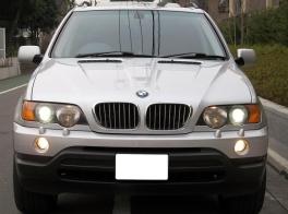 BMW X5  4.4i D車右H黒革SRナビ1オナ記録 前方