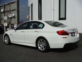 BMW 5シリーズ  528i Mスポーツ ホワイト 3枚目