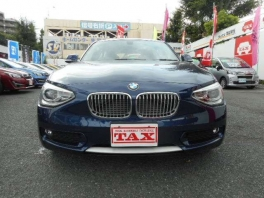 BMW 1シリーズ  116i スタイル 登録済み未使用車 ディープシーブルーメタ 2枚目