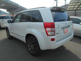 スズキ エスクード  2.4 ランドブリーズ 4WD 特別仕様車 SR パールホワイト 3枚目