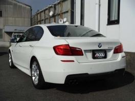 BMW 5シリーズ  528i Mスポーツ ホワイト 4枚目