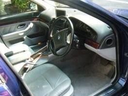 BMW 5シリーズ  540 内部