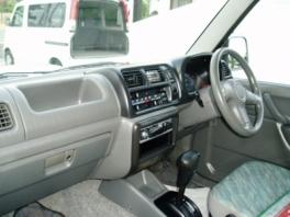 スズキ ジムニー  XA 4WDターボ 内部