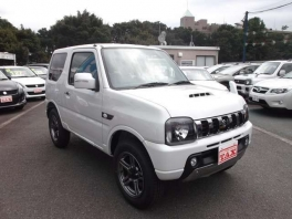 スズキ ジムニー  660 ランドベンチャー 4WD 未使用車 ホワイトパール 3枚目