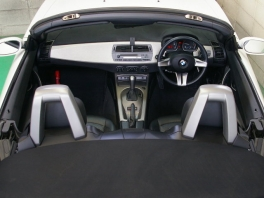 BMW Z4  2.5i 電動オープン 黒革純正18AW 内部
