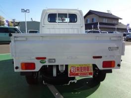 スズキ キャリイ トラック  KCエアコン・パワステ 5MT 4WD 届出済未使用車 4枚目