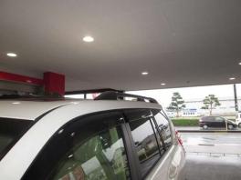 トヨタ ランドクルーザープラド  2.8 TX Lパッケージ ディーゼルターボ 4WD  ホワイトパール 4枚目