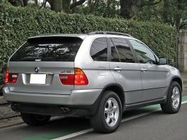 BMW X5  4.4i D車右H黒革SRナビ1オナ記録 後方
