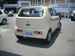 スズキ アルト  F 届出済未使用車 5GAS搭載 シフォンアイボリ− ESP 3枚目