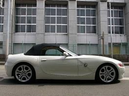 BMW Z4  2.5i 電動オープン 黒革純正18AW 前方