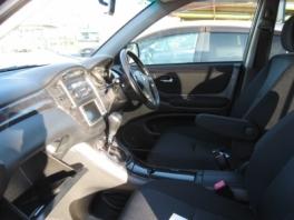 トヨタ クルーガー  2.4S4WD 内部