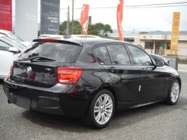 BMW 1シリーズ  116i Mスポーツ  ブラック 3枚目