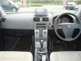 ボルボ S90  2.4 ユーザー買取入庫車輌 シルバー 2枚目