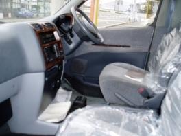 トヨタ グランビア  4WD 内部