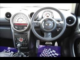 BMW ミニ  クーパS クロスオーバー 2枚目