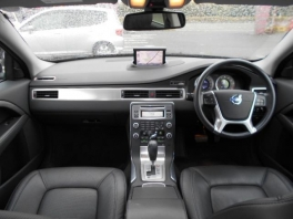 ボルボ V40  2.5T LE 2011年モデル 1オーナー ブラックストーン 2枚目