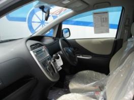 トヨタ ラクティス  X Lパッケージ 内部