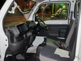 ホンダ アクティ トラック  SDX4WD 内部