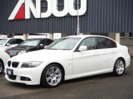 BMW その他  320i Mスポーツパッケージ  ホワイト 2枚目