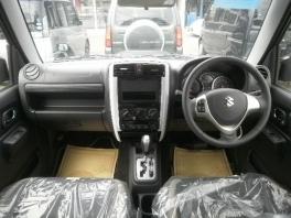 スズキ ジムニー  660 ランドベンチャー 特別仕様車 届出済未使用車 4WDターボ 専用装備満載 4枚目