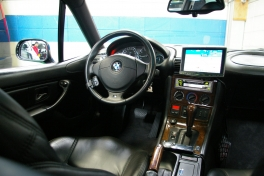 BMW Z3  Z3 クーペ  黒革・SR・DVDナビ 内部