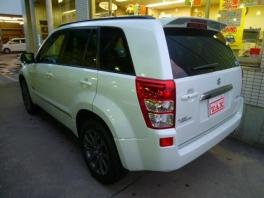 スズキ エスクード  ランドブリーズ 4WD 特別仕様車 登録済未使用車 3枚目